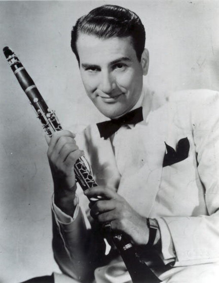 Bennett looked like Artie Shaw